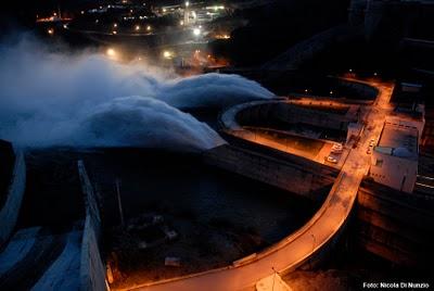 Vista nocturna del Desembalse de la Presa de Alqueva.