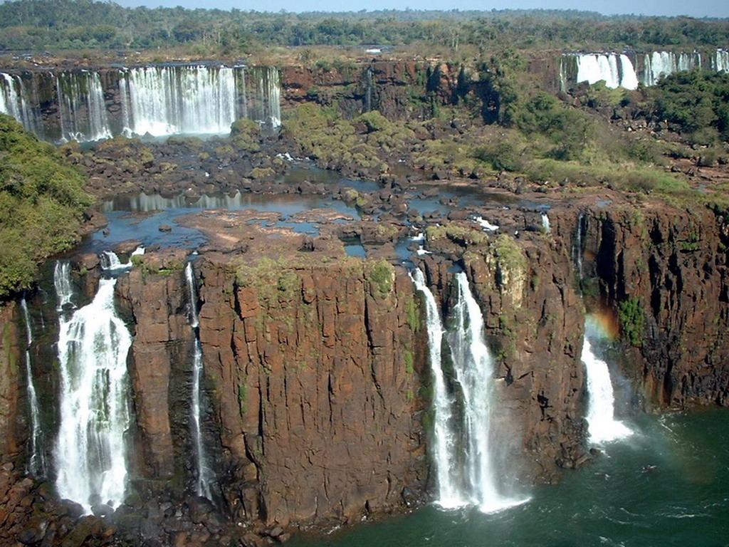 Las cataratas prácticamente sin agua debido a la sequía